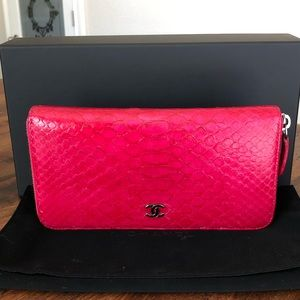 CHANEL Long Zip Around Wallet